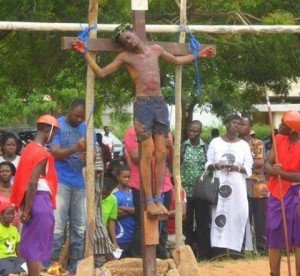 jésus noir croix